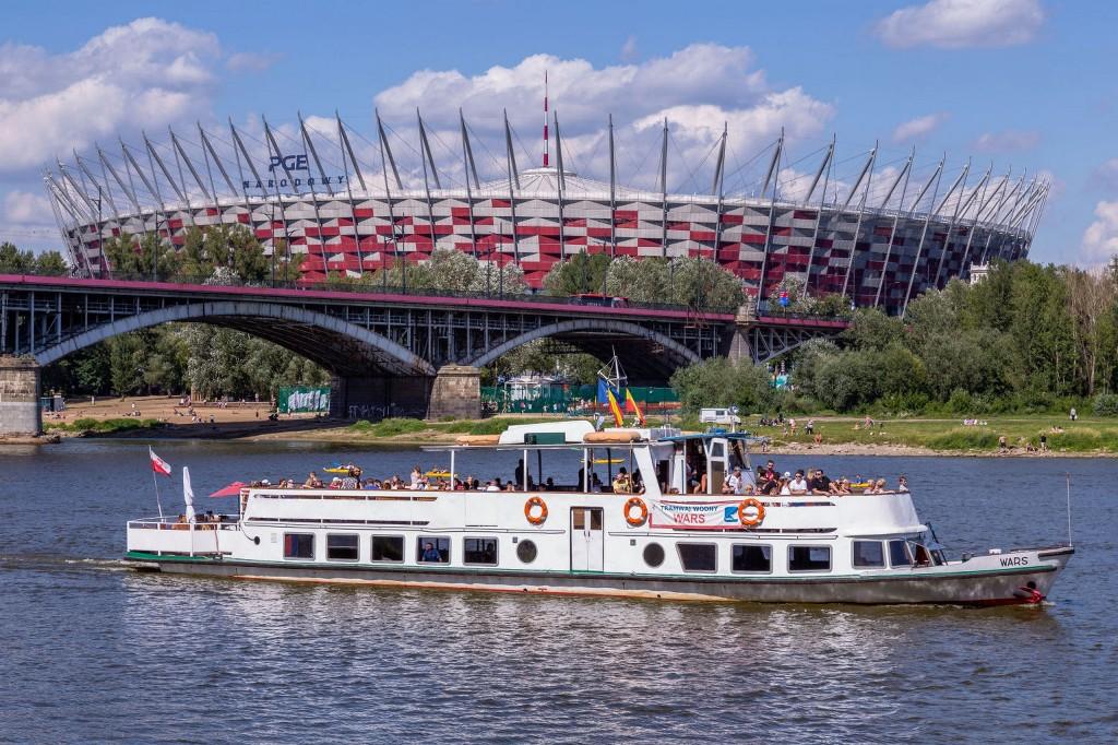 Stadion-Narodowy-i-Tramwaj-Wodny_fot.-m.st_.Warszawa